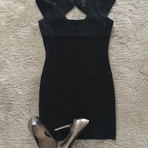 Little black bandage Guess dress